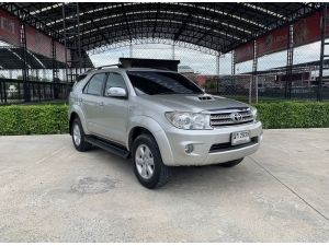 Toyota Fortuner 3.0 V 4wd ปี 2009 ไมล์ 150,000km.