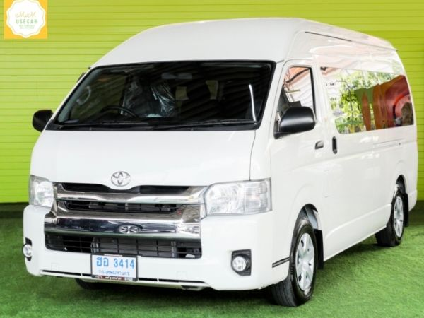 TOYOTA COMMUTER 3.0 AT 18