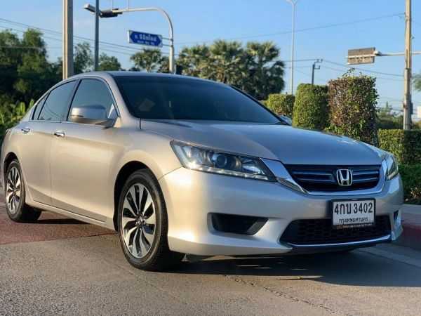 HONDA ACCORD 2.0​ HYBRID​ 2015