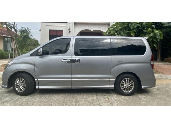 HYUNDAI H1 Deluxe 2013 AT 735,000