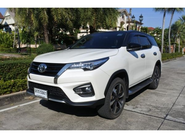 2019 TOYOTA Fortuner 2.8 TRD Sportivo