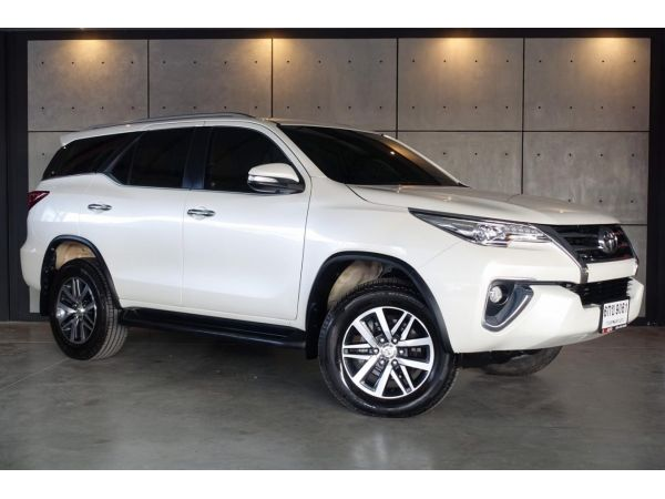 2017 Toyota Fortuner 2.8  V 4WD SUV AT (ปี 15-18) B9061