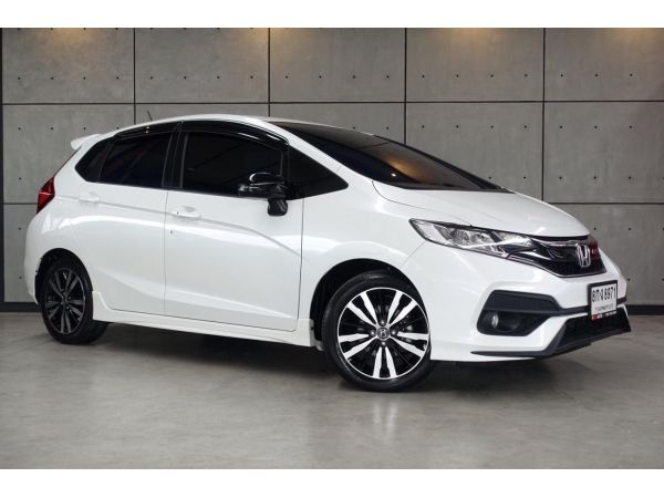 2019 Honda Jazz 1.5 RS i-VTEC Hatchback AT(ปี 14-18) B8971