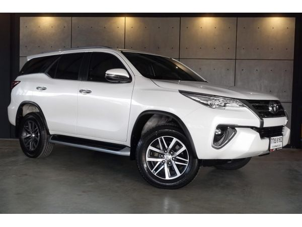 2018 Toyota Fortuner 2.8  V SUV 4WD AT(ปี 15-18) B8162