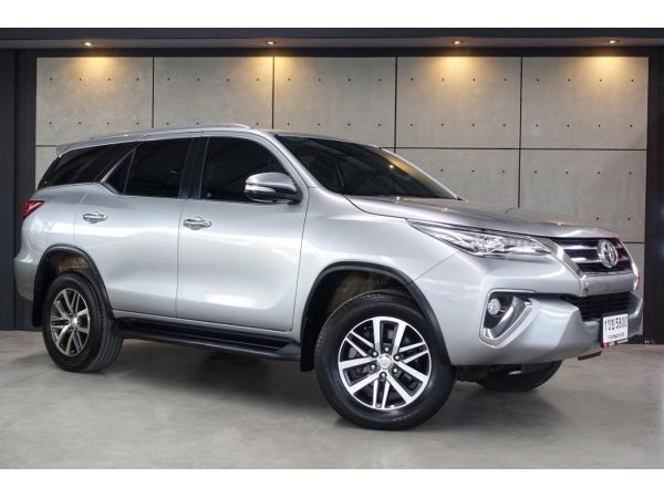 2017 Toyota Fortuner 2.4 (ปี 15-18) V SUV AT